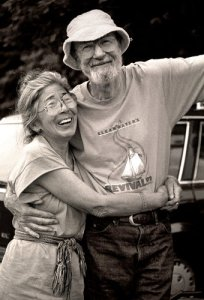 Toshi and Pete Seeger in 1992.